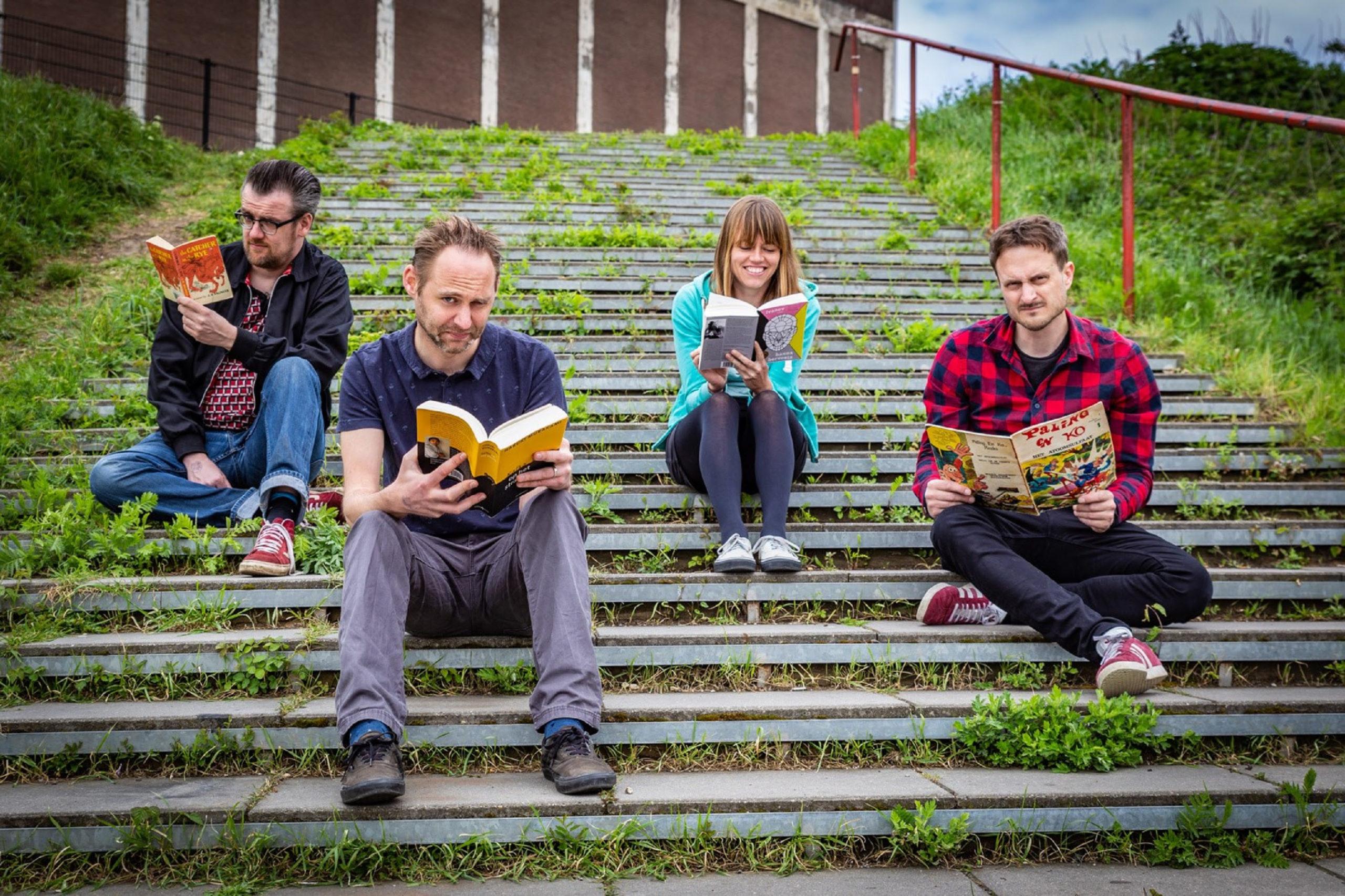 Nijmeegse punkrockband maakt cover voor de Voedselbank